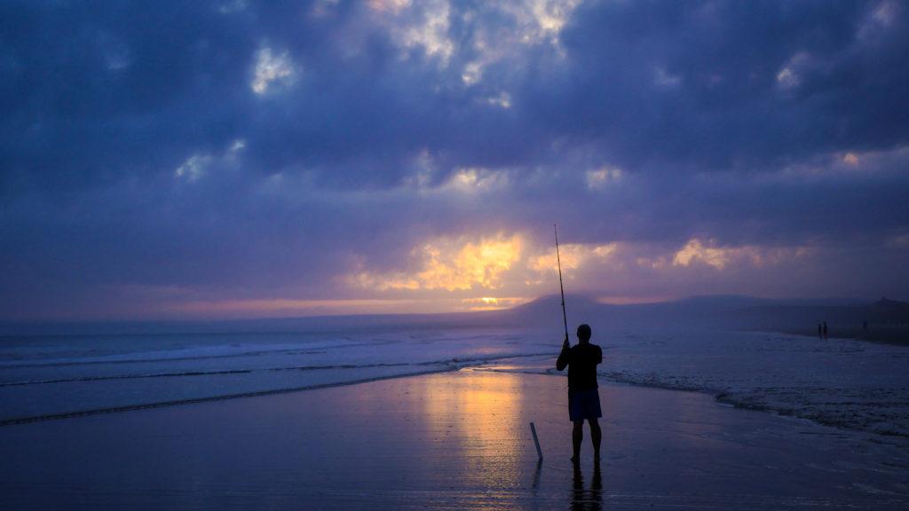 Mand fisker